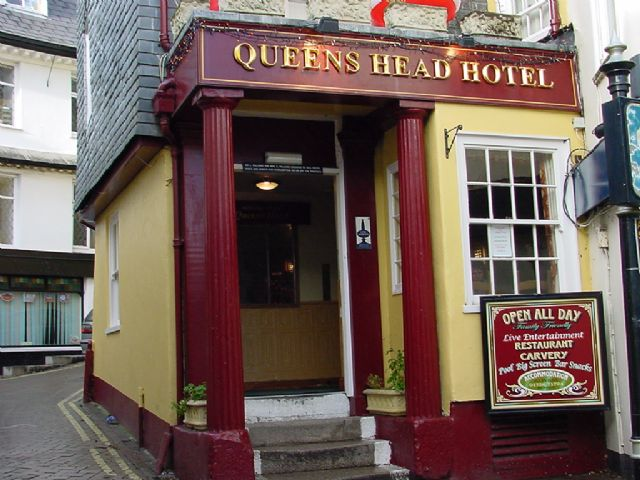 Queens Head Pub, St Austell